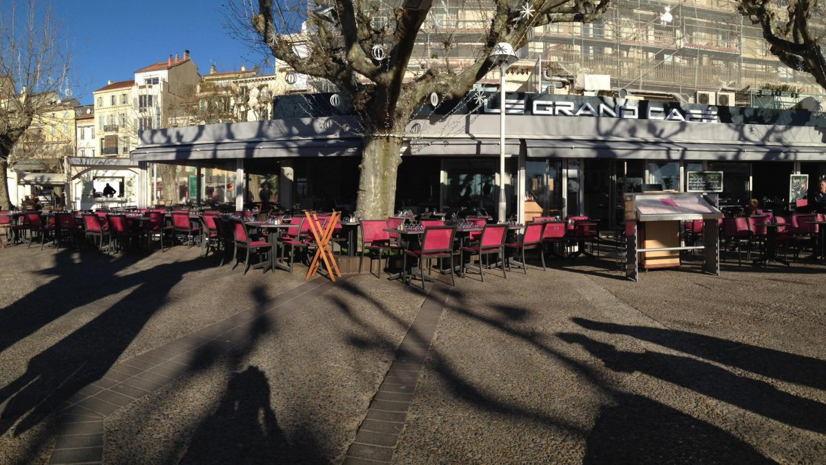 Cannes City Life - Le Grand Café