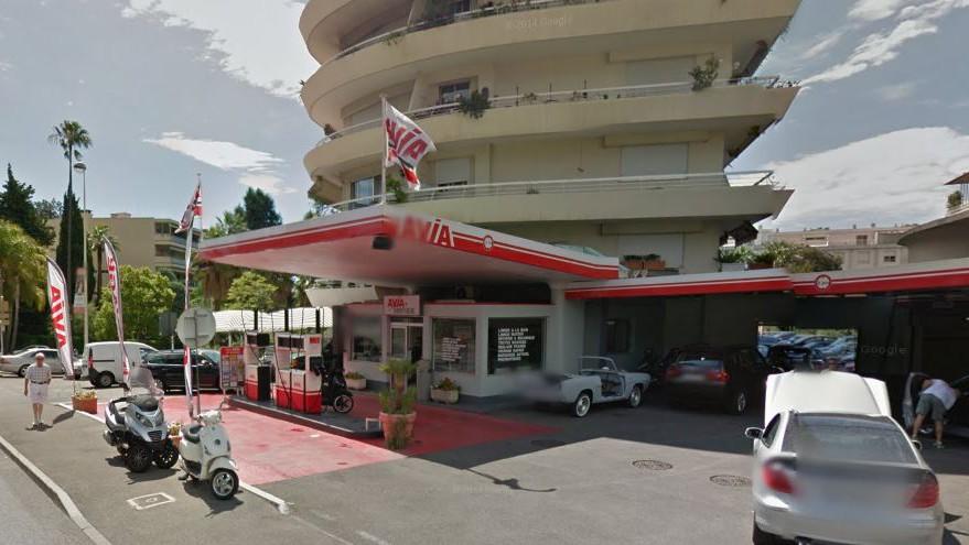 Cannes - Station Avia Californie