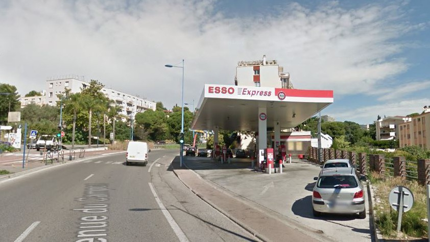 Cannes - Station Esso Express Le Cannet