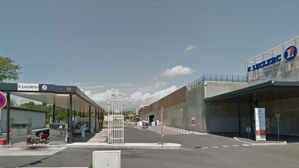 Cannes City Life - Station Leclerc La Bocca