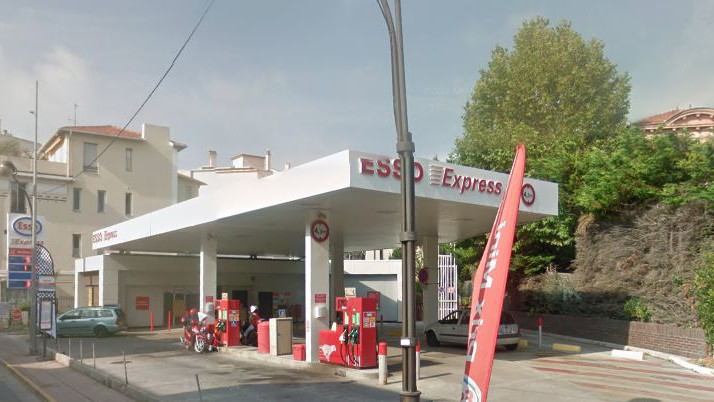 Cannes - Station Esso Express