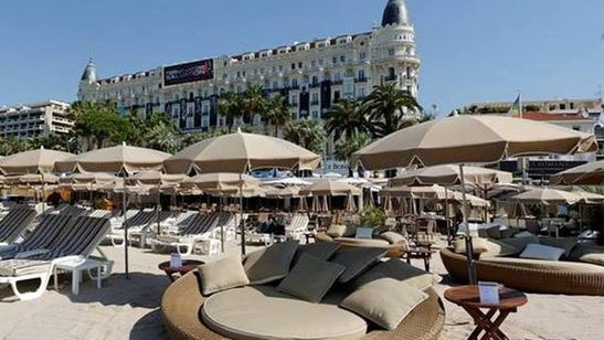 vegaluna plage la croisette plages priv es cannes cannes city life. Black Bedroom Furniture Sets. Home Design Ideas