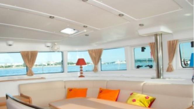 Cannes - Bateau Catamaran